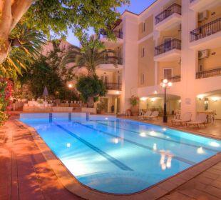 Garden-pool Hotel Fortezza