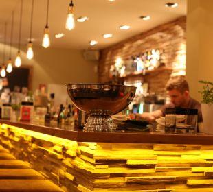 Unsere Bar lädt Sie herzlich auf einen Drink ein! Hotel FIVE