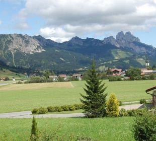 Blick von der Terrasse ins schöne Tannheimer Tal Landhaus Sammer Hotel Garni