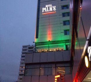 Hotel bei Einbruch der Dämmerung Hotel Palace Berlin
