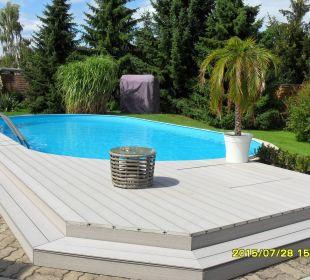 Blick zum Pool - 1 Hotel-Pension Keller