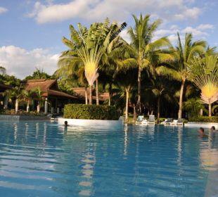 Großer Pool Henann Resort