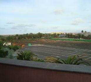 Kein 5 - Sterne - Blick von den Aussenzimmern Lopesan Villa del Conde Resort & Spa