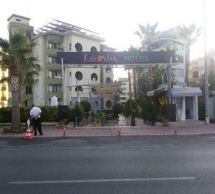 Hotel Kriszantem вид с дороги Hotel Krizantem