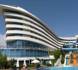 Pool mit vier Rutschen Hotel Concorde De Luxe Resort