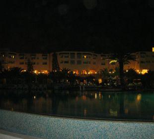 Hotel bei Nacht Bellevue Park