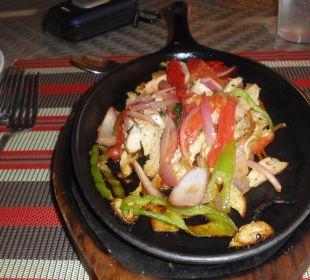 Lecker Essen und heiß !!!! VIK Hotel Cayena Beach Club
