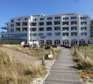 Blick vom Strand zum Hotel Strandhotel Dünenmeer