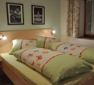 1.Schlafzimmer Appartement Graslitzen Gästehaus Seewinkel