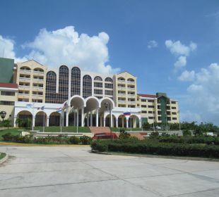 Hotelzufahrt Hotel Quinta Avenida Habana