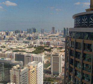 Ausblick aus Zimmer 21. Etage bzw. Pool 31. Etage Hotel Grand Millennium Al Wahda Abu Dhabi
