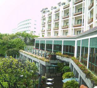 Von Balkon: nach rechts Hotel The Cliff Bay (PortoBay)