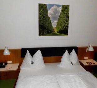 Blick auf das Bett arcona Hotel am Havelufer