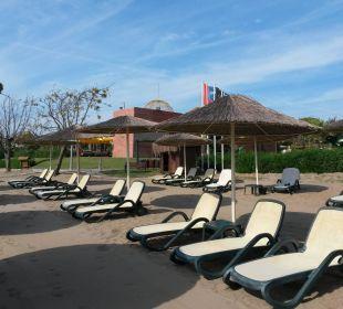 Blick auf die Neptunbar Gloria Verde Resort