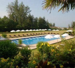 Grosszügiges Schwimmbecken Khao Lak Riverside Resort & Spa