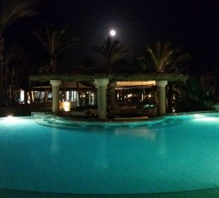 Pool am Abend Hotel Iberotel Makadi Beach