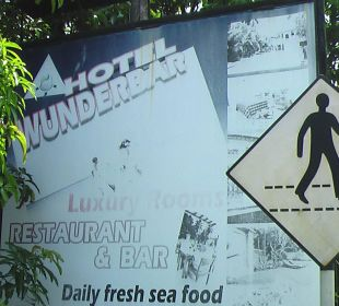 Fussgängerüberweg Wunderbar Beach Club Hotel