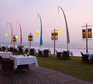 Beach front dinning The Samaya Bali - Seminyak