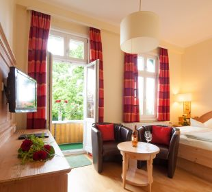"""Doppelzimmer """"Mittel Class""""/Komfort mit Parkett Hotel Victoria"""
