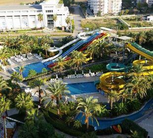 Wasserrutschen und Lunapark Hotel Royal Wings