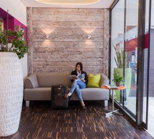 Lobby Hotel Arooma