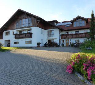 Hausansicht Ferienwohnungen Berghof Kinker