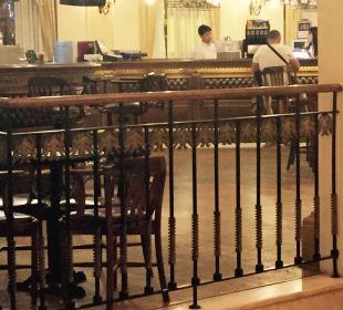 Der unverschämte Barmann Hotel WOW Kremlin Palace