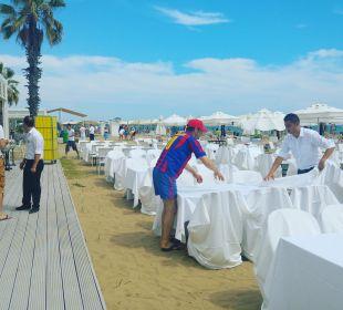 Vorbereitungen Sunsetdinner am Strand Sensimar Side Resort & Spa