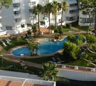 Pool zwischen Hotel und Suites Hotel Playa Esperanza