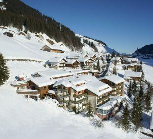 Luftaufnahme Rosenhof Gelände im Winter Der Kleinwalsertaler Rosenhof