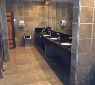 Toilette in der Lobby Hotel Royal Dragon