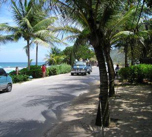 Uferstrasse vor dem Hotel Hotel Pueblo Caribe