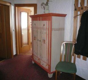 Flur mit Türen zum Wohn- und Schlafzimmer Haus Elisabeth