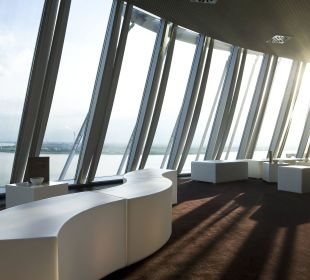 Captain´s Lounge Ausblick  Atlantic Hotel Sail City