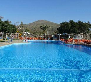 Leider im April noch zu kaltes Wasser! Hotel Corissia Beach