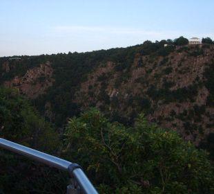 Ausblick zum Hexenplatz AKZENT Berghotel Rosstrappe
