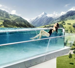 Ausblick vom Panorama Pool Hotel Tauern Spa Zell am See-Kaprun