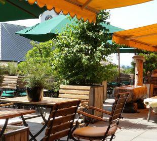Terrasse - Restaurant bei schönem Wetter Hubertus Alpin Lodge & Spa