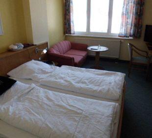 Zimmer sind recht abgewohnt Hotel Harzhaus