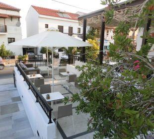 Schöne Frühstücksterrasse Hotel Kalidon