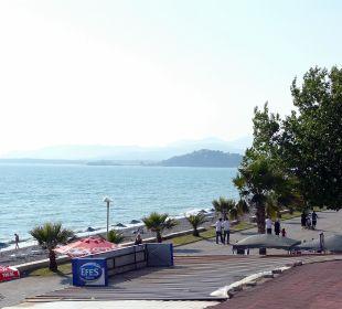 Promenade vorm Hotel rechts Hotel Günes