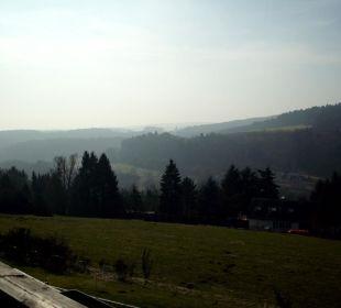Ausblick vom Balkon nach links Landhaus Müllenborn