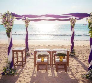 Thai Wedding Ceremony on the beach Hotel Dewa Phuket