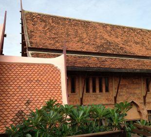 Outside Ruean Thai Hotel