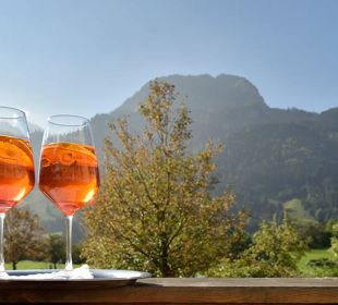 Aperol-Sprizz & einmalige Bergkulisse - Urlaub pur Die Gams Hotel - Resort
