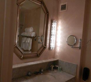 Großes sauberes Bad Hotel Westin New York Grand Central