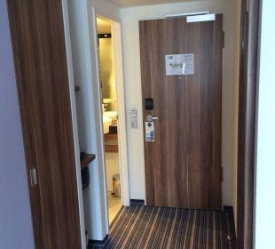 Eingang Hotel Holiday Inn Express Hamburg City Centre