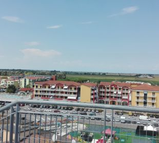 Vom Dach auf die Straße Hotel Eraclea Palace