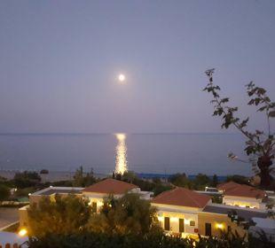 Basen ze zjeźdżalnią...  Hotel Mitsis Rhodos Village & Bungalow