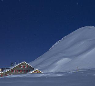 In der Nacht Berghaus Jochpass